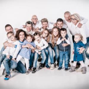 Grote groep familie foto