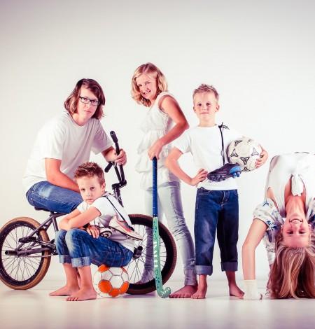 sportieve familieshoot in Den Haag in de studio Shoots & More