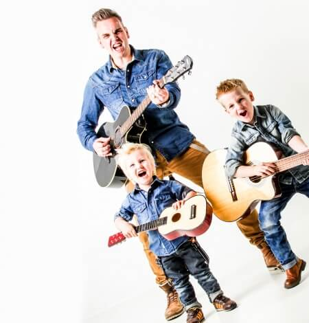 vaderdag fotoshoot met rockende kinderen en vader Breda
