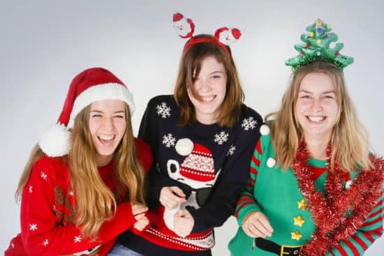 Foute Kersttrui Zelf Maken.Foute Kersttruien Fotoshoot Shoots More